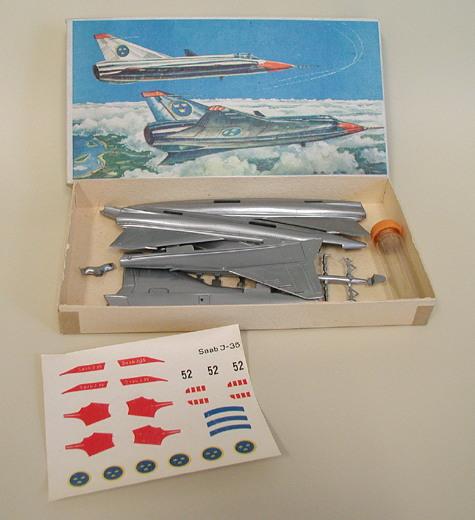 """SAAB J-35? """"Draken"""" [1/48 - Lindberg] VEB_01_kit"""